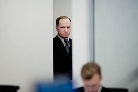 OPPMUNTRET: Uansett om Anders Behring Breivik var strafferettslig tilregnelig, og uansett om han gjennomførte en politisk aksjon eller brukte politikk til å pynte et stormannsgalt markeringsbehov, er det sannsynlig at samfunnsdebatten oppmuntret ham, skriver Frank Rossavik. FOTO: HÅVARD BJELLAND
